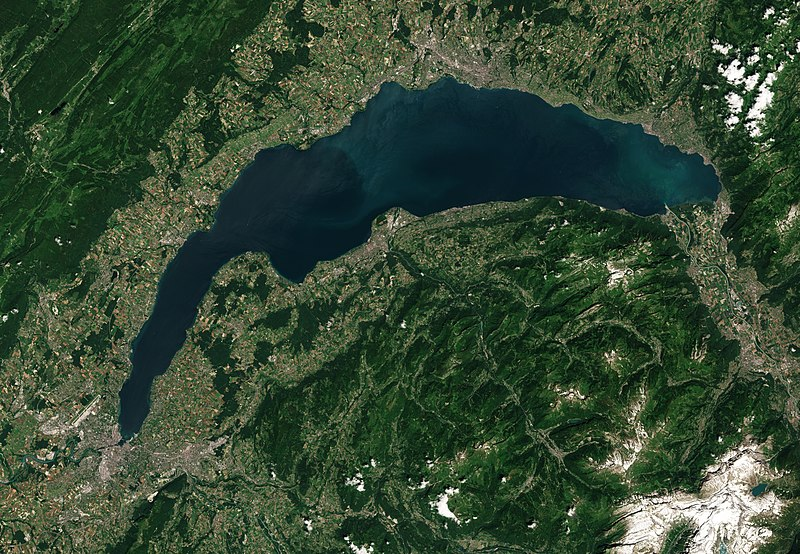 800px-Lake_Geneva_by_Sentinel-2