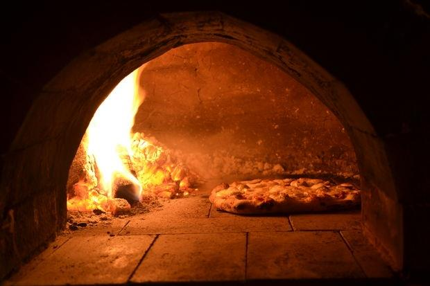alex community wood fired pizza oven